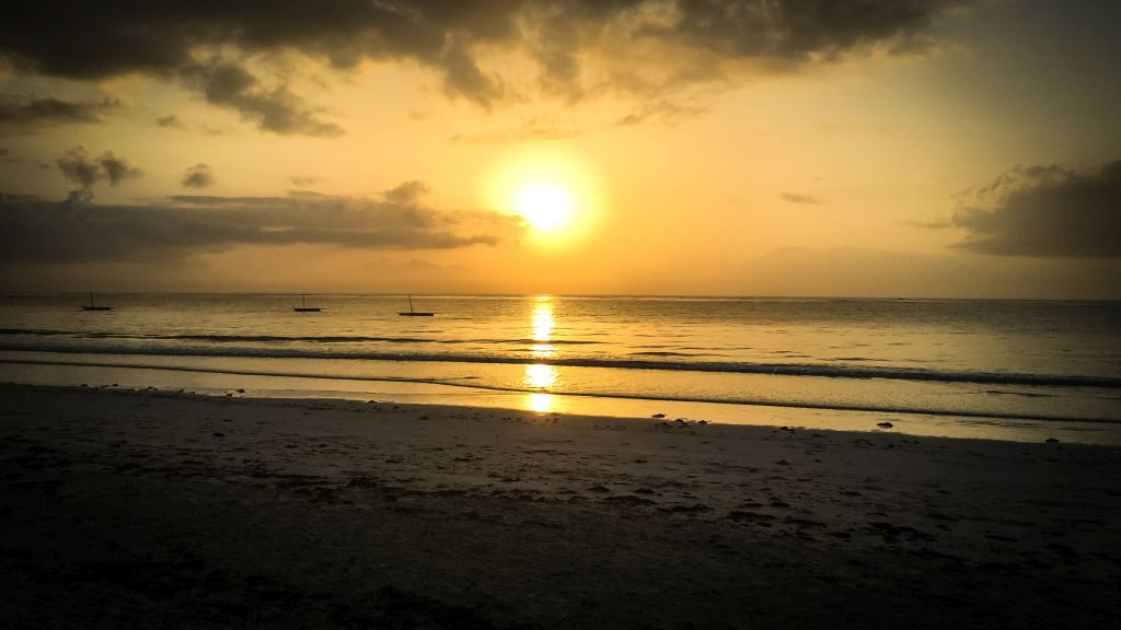 Diani Beach in Kenia, Kitesurfen im Winter