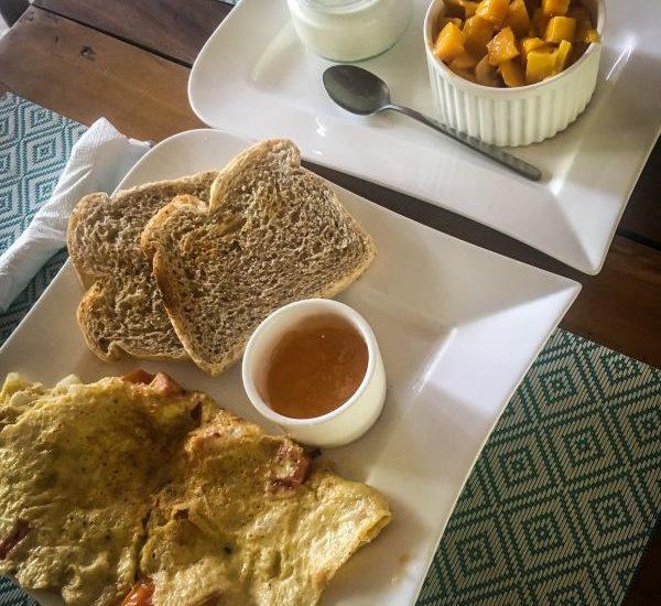Frühstück im Pleasure Point Cafe, Siargao