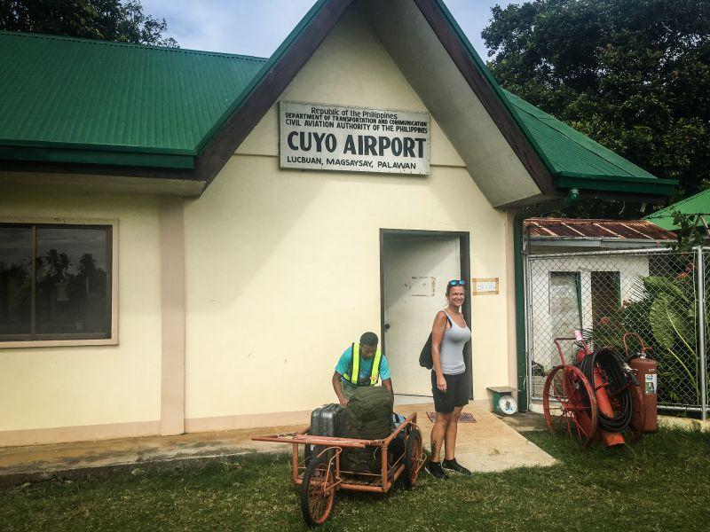 Cuyos Flughafen, sehr sehr klein :)