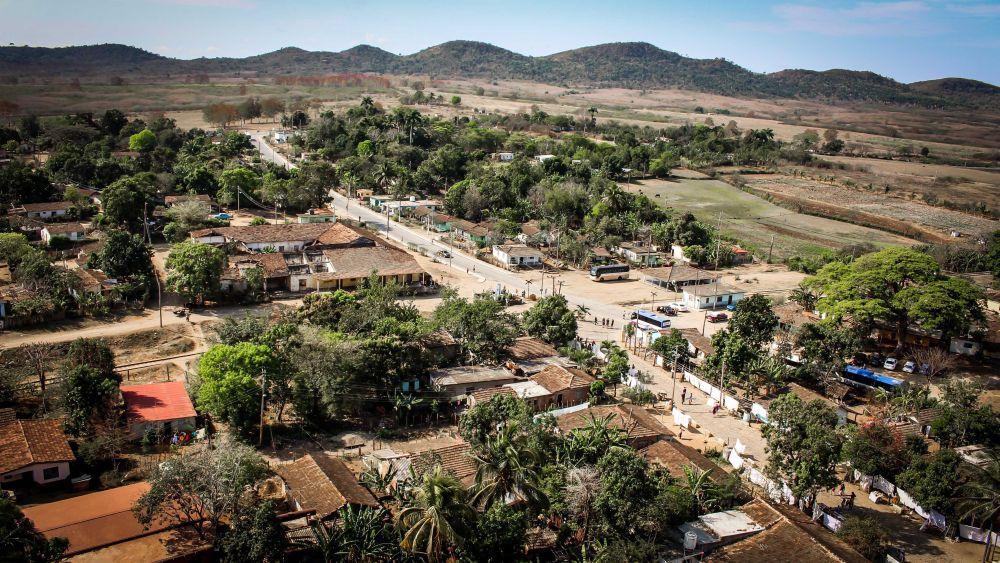 Ganz in der Nähe von Trinidad, im Vale de los Ingenios verarbeiteten einst 50 Zuckermühlen das frische Zuckerrohr zu Kubas weißem Gold.