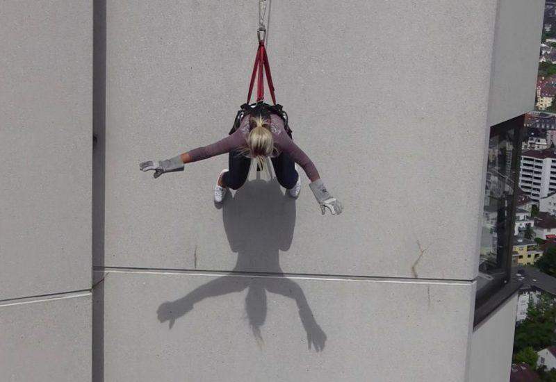 Mega Swing aus 30 Metern, Adrenalin pur!
