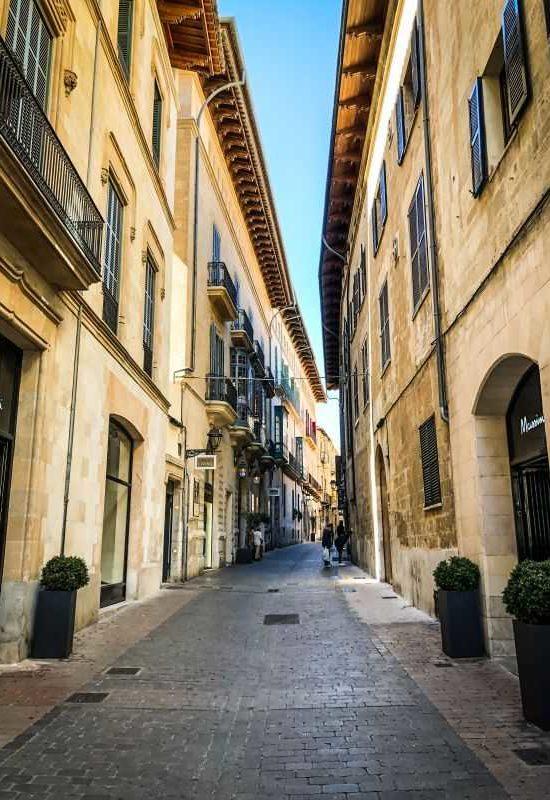 Die Hauptstadt Palma hat alles was eine Stadt haben muss.