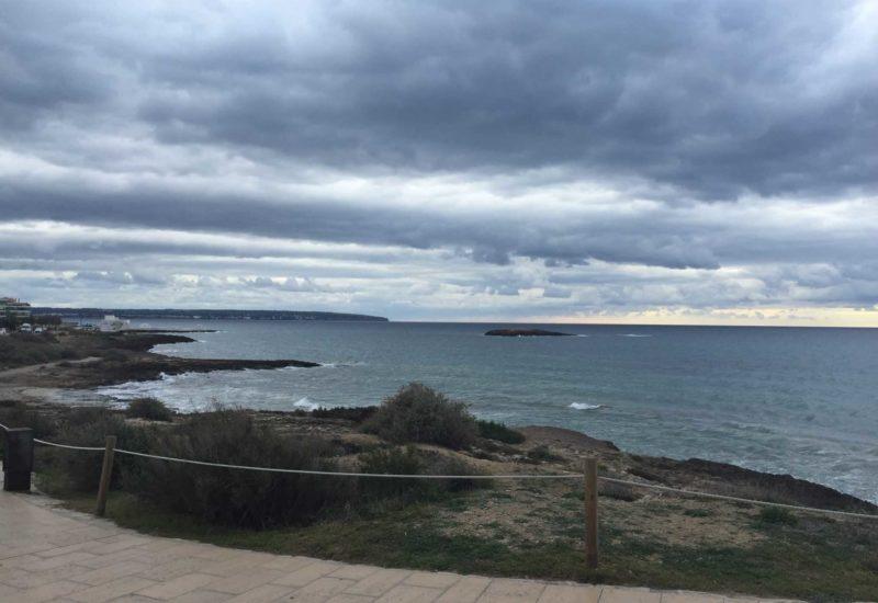 Kurzurlaub auf Mallorca: Segeln und Radfahren. Die Insel bietet optimale Bedingungen für schöne Radtouren.
