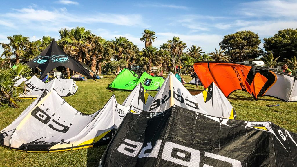 Kitesurfen auf Sizilien, entdecke die schönsten Kitespots. Hier gibt es jede Menge Infos und Tipps!