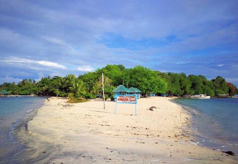 1000 Places - Magalawa Island auf den Philippinen ist was für Abenteuerlustige und Entdecker.