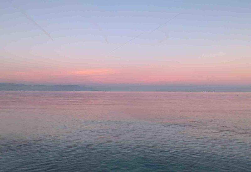 Antibes im Frühling ist definitiv eine Reise wert! Sonnenuntergänge sind traumhaft schön.