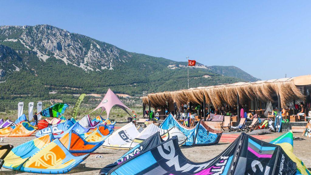 Kitesurfen in Akyaka, Türkei