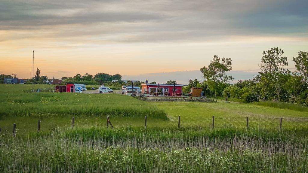 Highlights auf Fehmarn. In Gollendorf kannst du nachts auch dein Wonmobil oder Camper einfach stehen lassen.