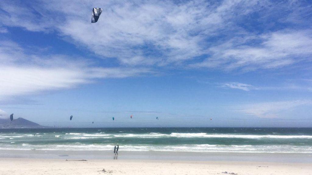 Kitesurfen in Kapstadt, Südafrika