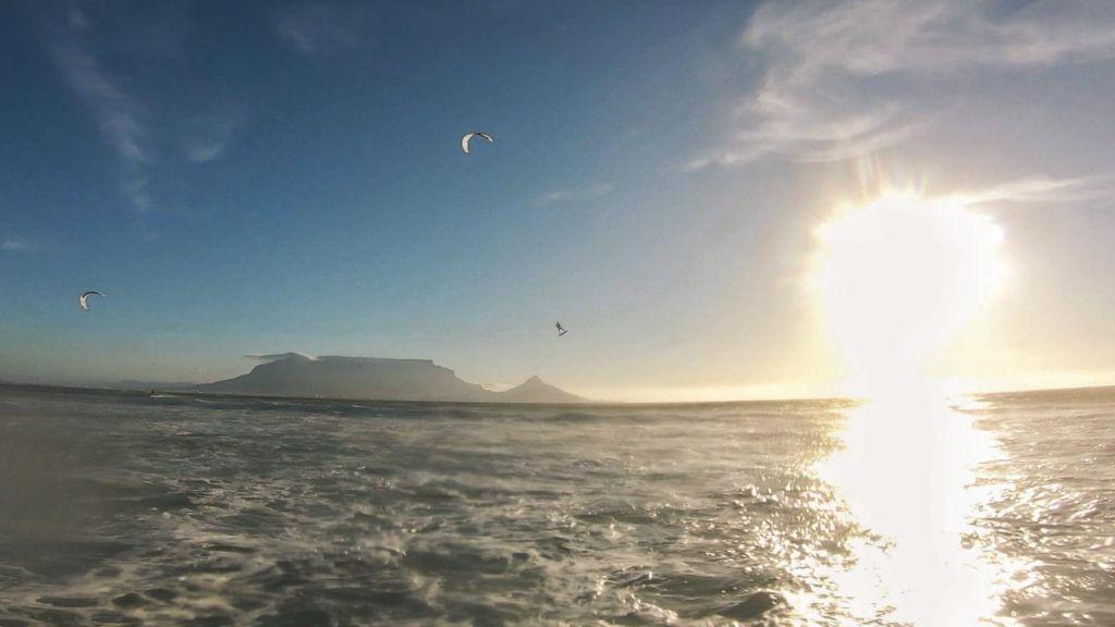 Kitesurfen in Kapstadt, Blouberg, Südafrika