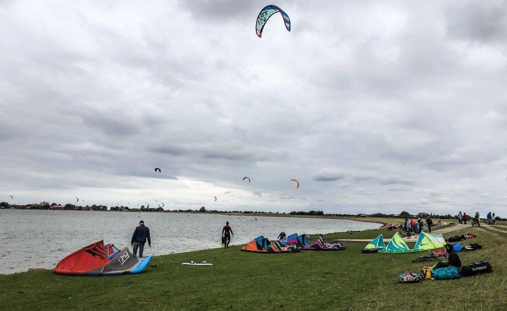 Kitesurfen und Camping auf Fehmarn: Kitespot Gollendorf